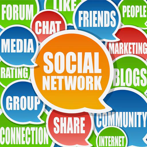 social-media-manufacturing